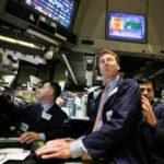 БРАЗИЛИЯ: Осторожность относительно политики задаёт тон фондового рынка